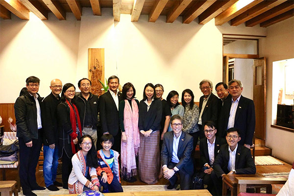Dr Balakrishnan Also Took The Opportunity To Catch Up With Singaporeans Working And Residing In Bhutan Where He Was Later Hosted A Warm Home Cooked
